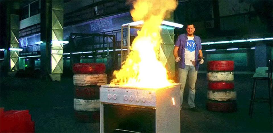 大人の火遊び。テルミットをお鍋にいれて火をつけてっと