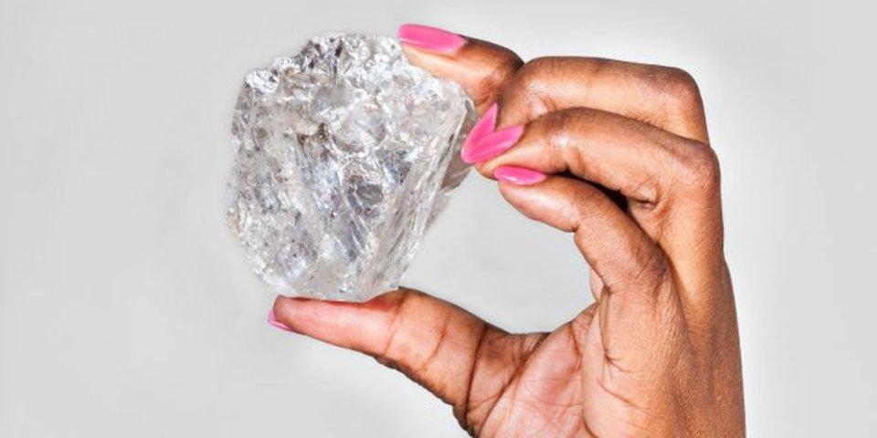 1,111カラット! ここ100年間で最大のダイヤモンドが発掘される