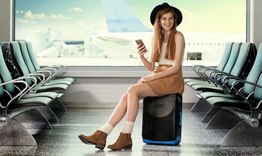 スーツケースに乗った大人が、空港内をゴロゴロ移動する日がやってくる!?