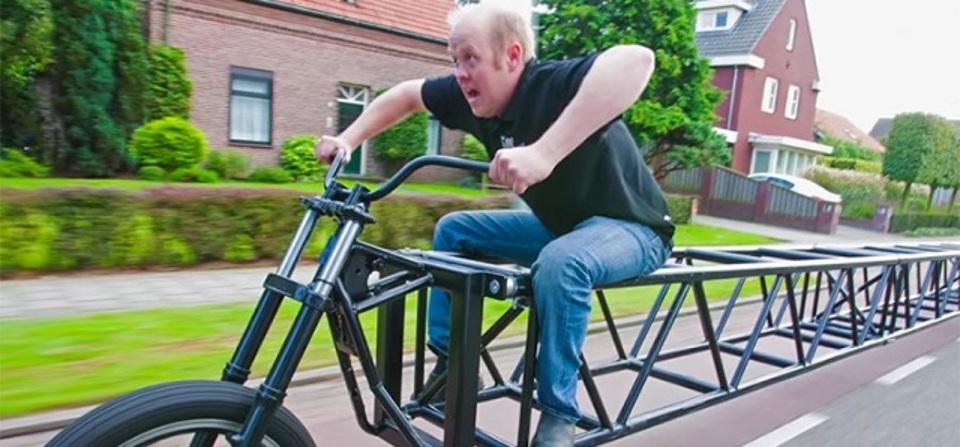 笑っちゃうほど長い世界最長の自転車