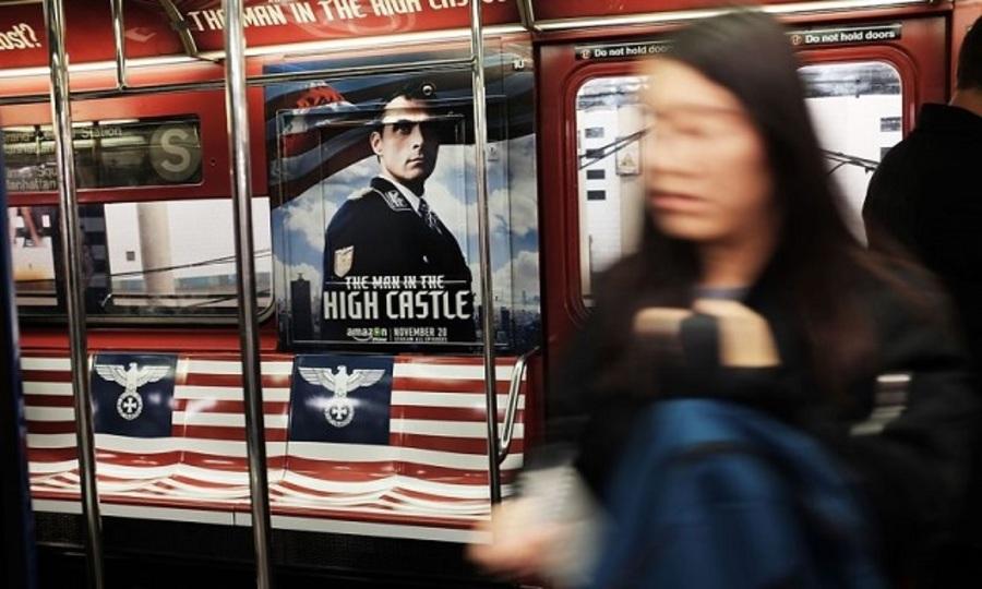 アマゾン、NY地下鉄への広告にナチスと旭日旗デザインを使う→炎上してさっそく撤去