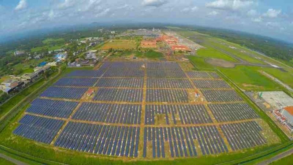 完全ソーラーパワー稼働の初空港、トラブルなく注目の的に…