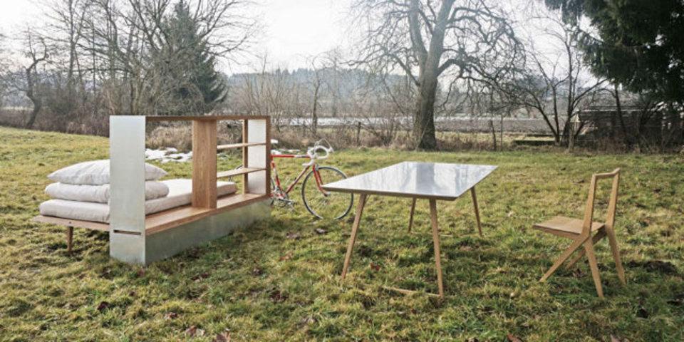 引越はワンボックスで。テーブルも椅子もベッドも何もかもを1箱で