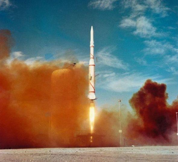 50年前打ち上げられたフランス初の衛星「アステリックス」の美しい発射写真