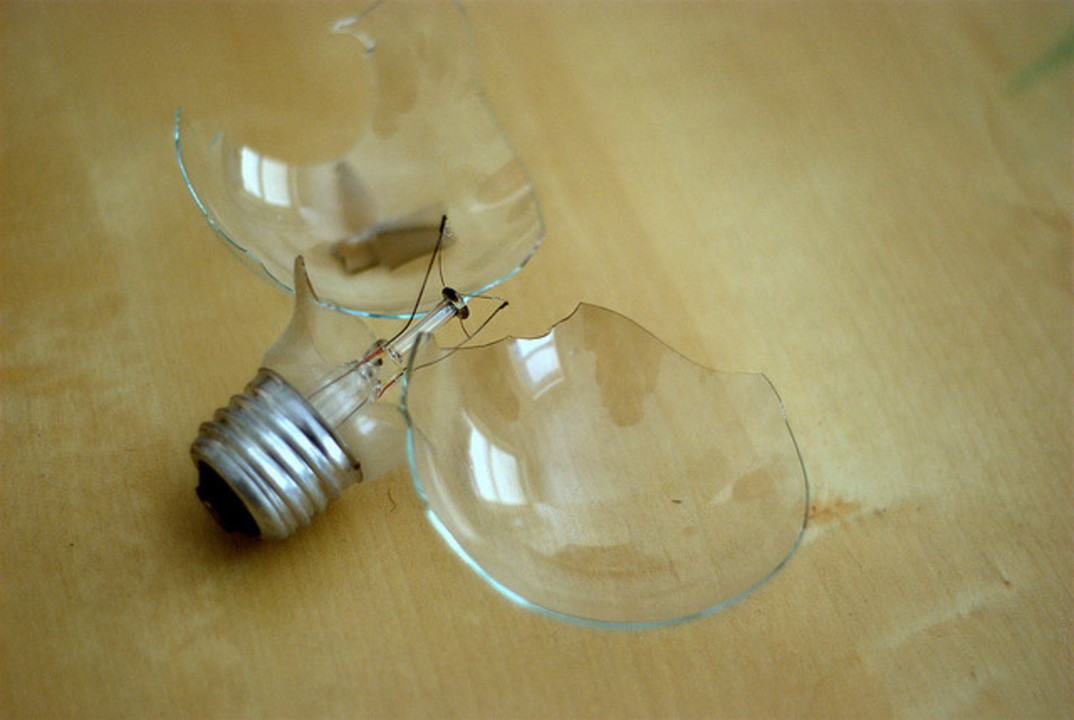 白熱灯と蛍光灯、2020年までに生産&輸入禁止に!