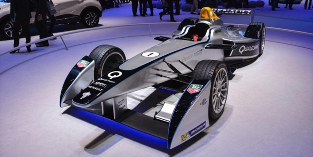 フォーミュラEが世界初の自動運転車レース「Roborace」開催を宣言!