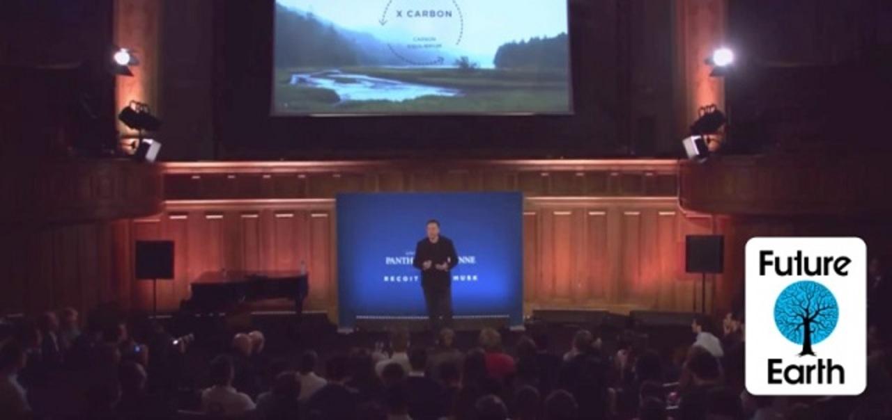 イーロン・マスクが描く化石燃料ゼロへの道筋、「まず炭素税導入を」