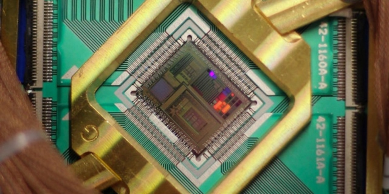 「1億倍高速」、グーグルが量子コンピューターにお墨付き