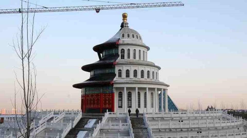 前は中国、裏は米国なトンでも建築が大人気