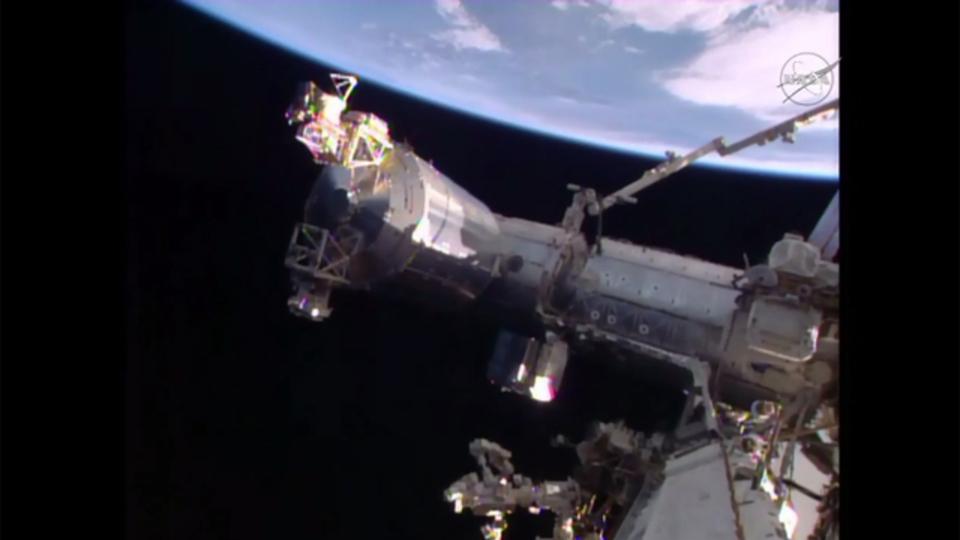ソユーズ、地球への帰還に向けて国際宇宙ステーションを出発
