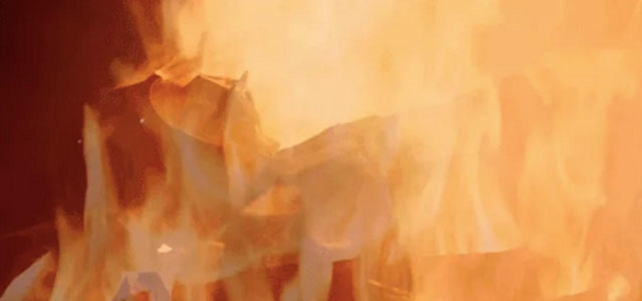 冬の新定番「暖炉動画」にスター・ウォーズ。5時間ひたすら燃え続けるダース・ベイダー