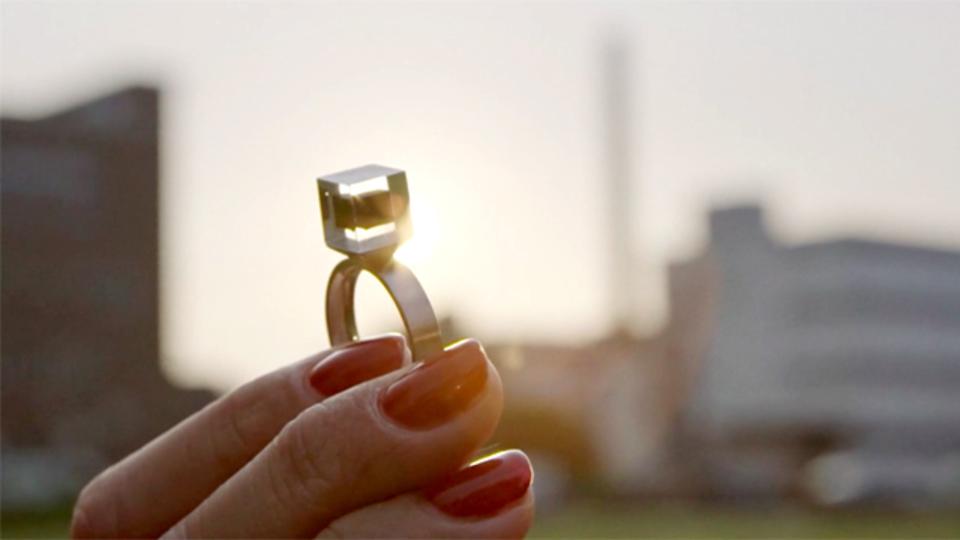 北京のスモッグをダイヤモンドに変える? あるオランダ人アーティストの挑戦