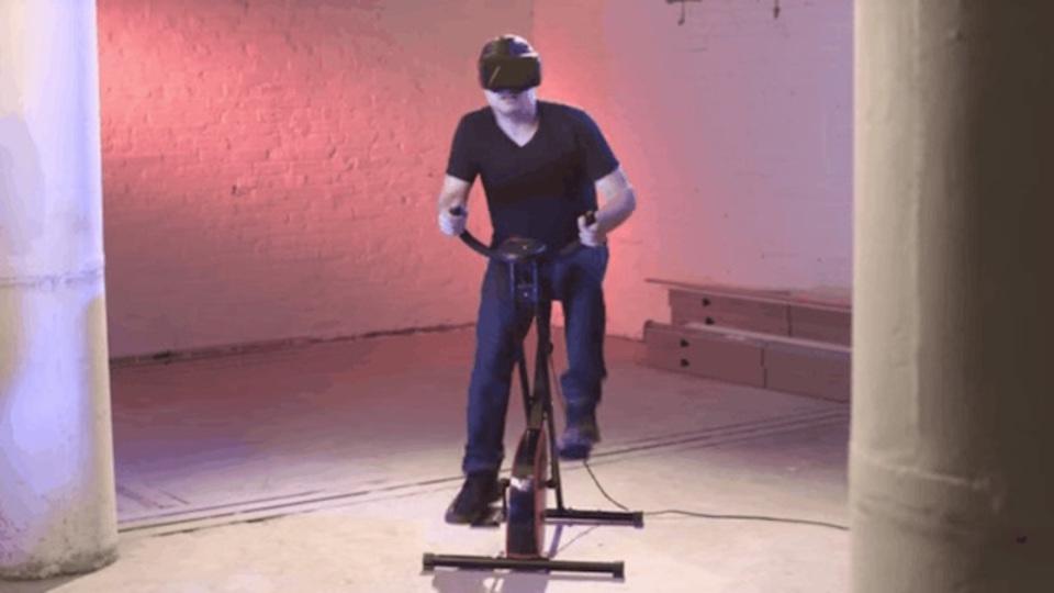 VRゲーム用エアロバイクでたるんだ体を引き締めたい