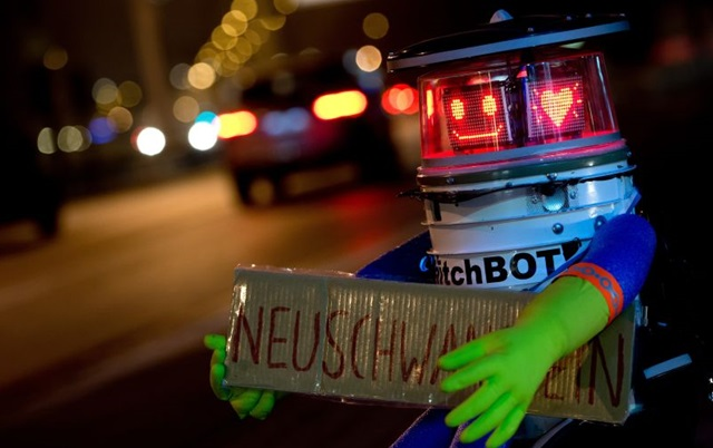 151220best-robots-2015-hitchbot.jpg