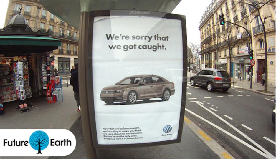 COP21会議のスポンサーたちの偽善を暴こうとする広告がパリを埋めつくす