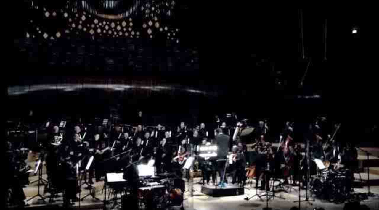 公演中にスマホもツイートもOKなオーケストラホールが続々誕生中