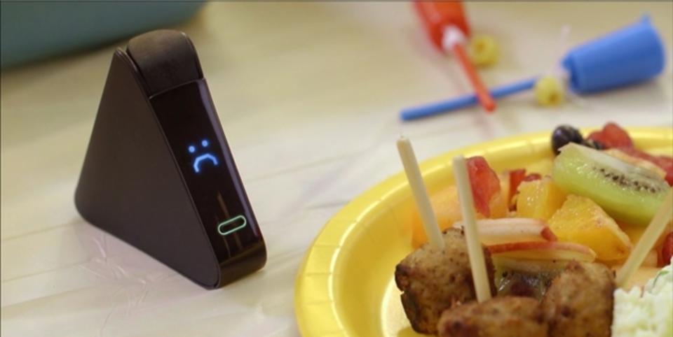 料理にグルテンが入っているか検査してくれるポータブルデバイス「Nima」