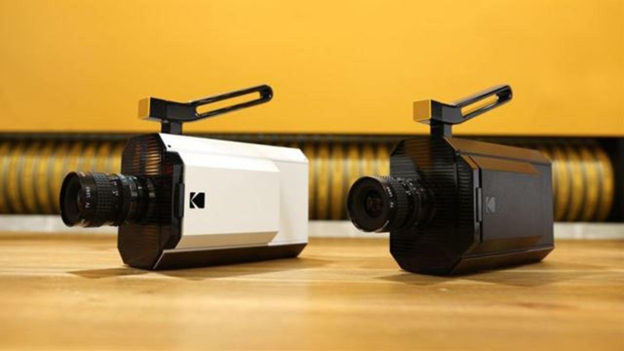ちょ、ちょっとまって。8Kカメラかとおもったら8mmフィルムカメラだったよ