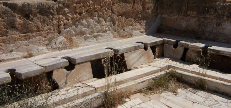 高い技術で知られる古代ローマのトイレは、それほど衛生的じゃなかったみたい