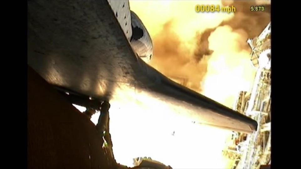 打ち上がるスペースシャトル視点の動画