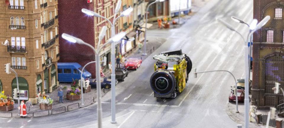 小さなカメラで撮影した世界一大きな鉄道模型のグーグルストリートビュー