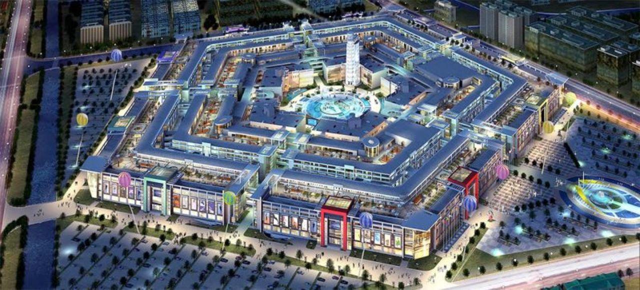 人が...いない...? 中国にある、孤独な巨大ショッピングモール