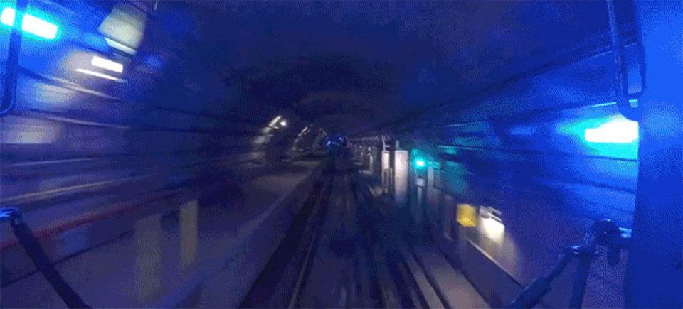 ニューヨーカー気分。NYの地下鉄を動画で走る