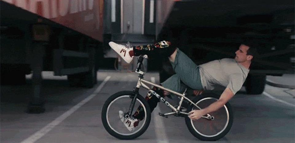 バイクとパルクールの融合、バイクールとでも言いましょうか