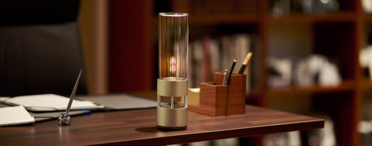 ソニーのグラススピーカーは、音と光で暖かさを演出する