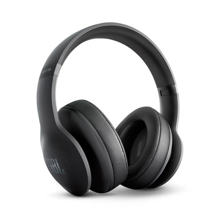 2016年、ヘッドホンは進化しました。耳の形に合わせて音を補正するほどに
