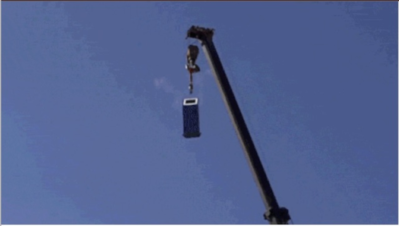ATMを地上30メートルから落としたら、お金は出てくる?