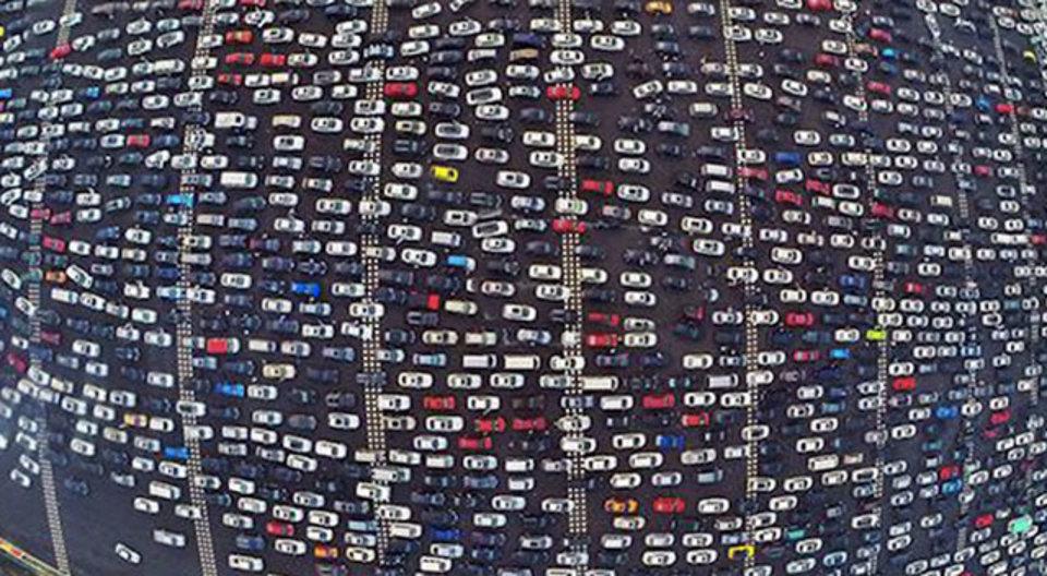 北京「交通渋滞はUberのせい」