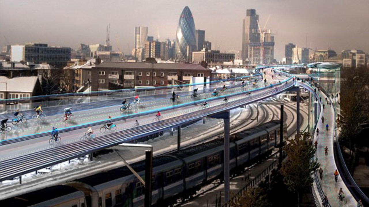 自転車の街へ変貌するロンドン。15年間でクルマは半減、サイクリストは3倍に