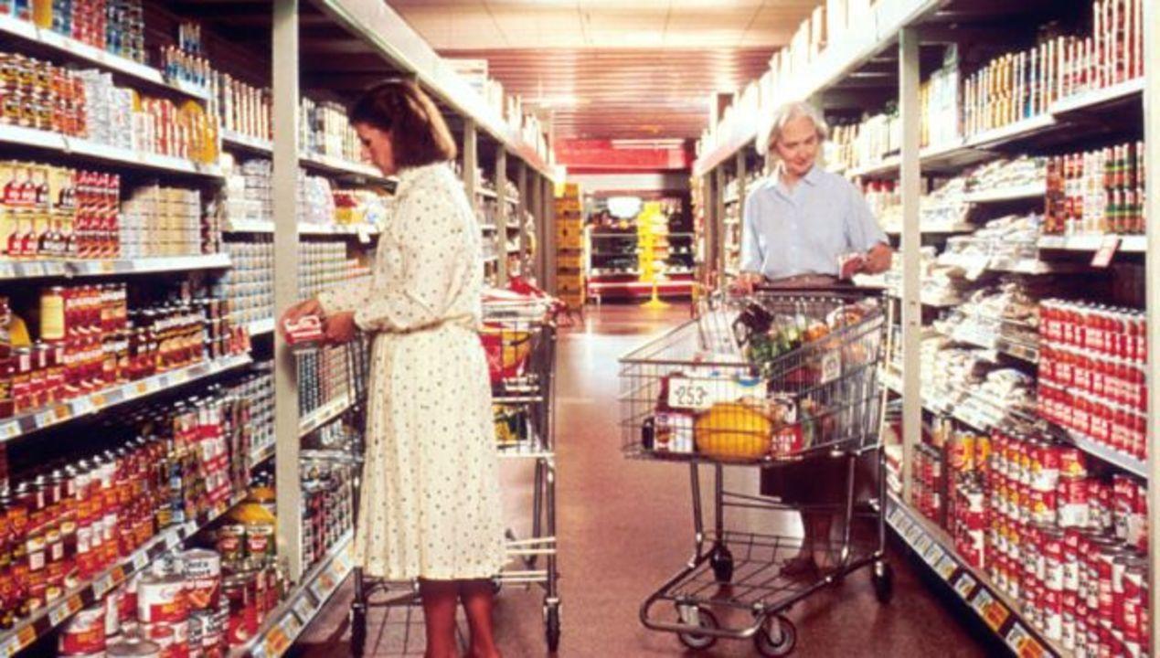 1960年と現在で、食へのお金の使...