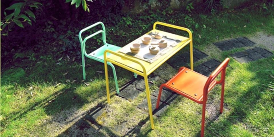 日本から世界初のマグネチューブ製の家具が登場。軽くて強度もバッチリ!