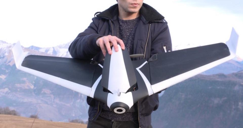 コプター型と固定翼型のドローンは何が違う?