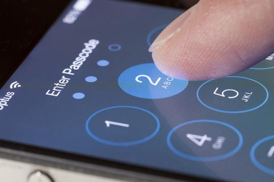 アップルFBI問題:ビル・ゲイツ氏がついに発言、アップルは協力すべきだがFBI派だというわけではない