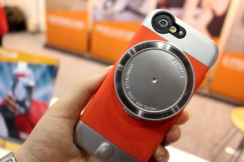 カメラレンズが4in1。ZTYLUSの多機能iPhoneケース