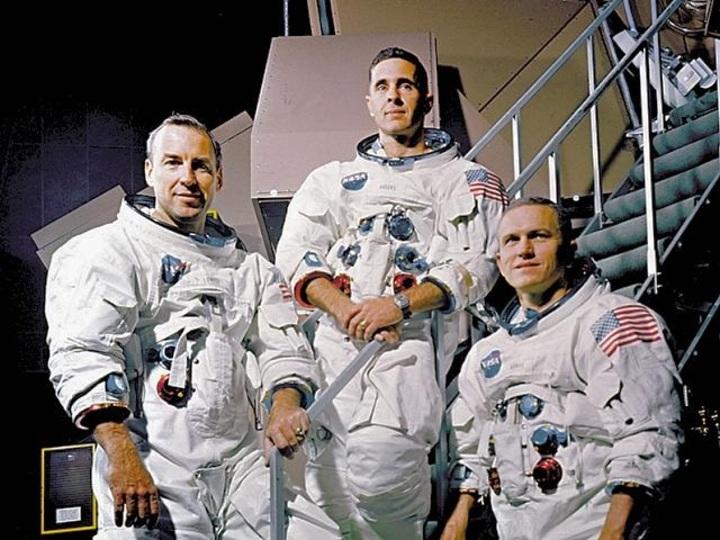 アポロ8号の宇宙飛行士たちとのディナー。チケットは売り切れ寸前!