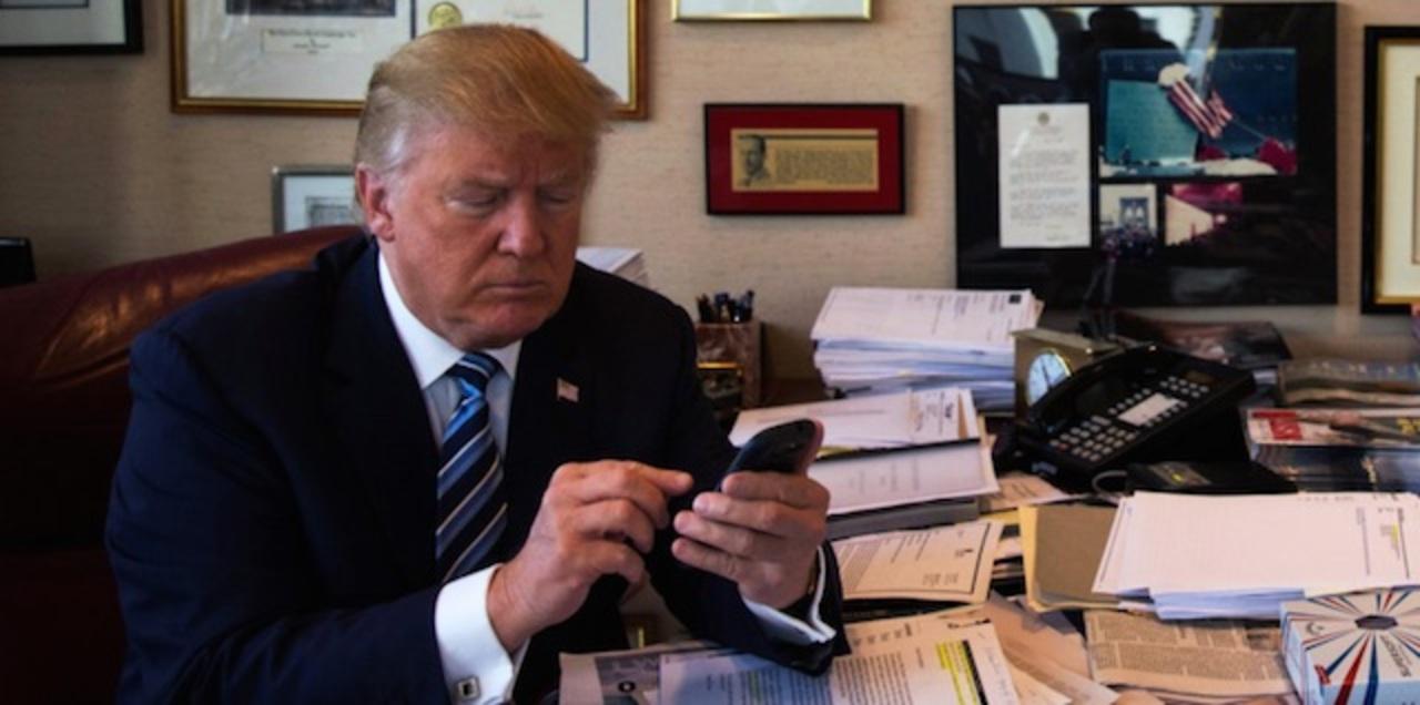 ドナルド・トランプ:「アップル製品ボイコットしよう」とiPhoneからツイート