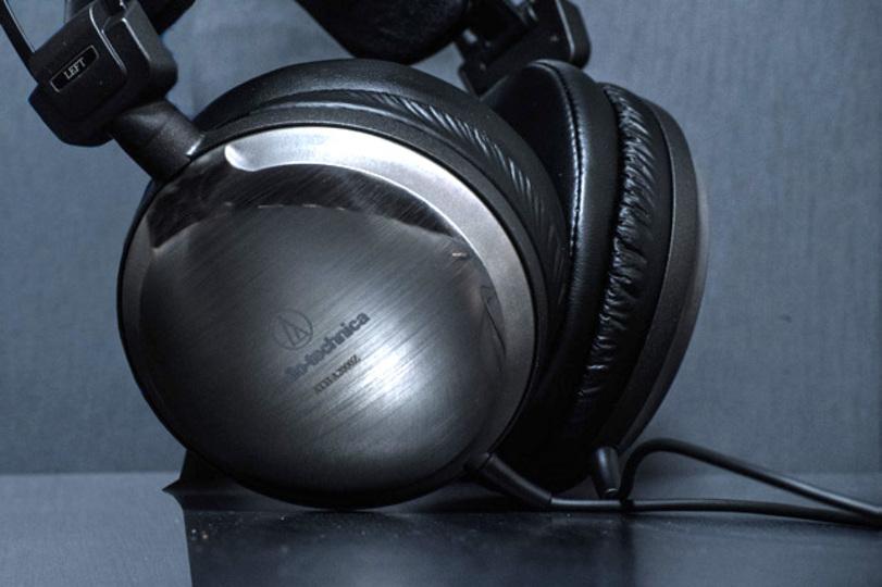 2016年の音楽トレンドを忠実に聴かせるフラッグシップヘッドホン「ATH-A2000Z」
