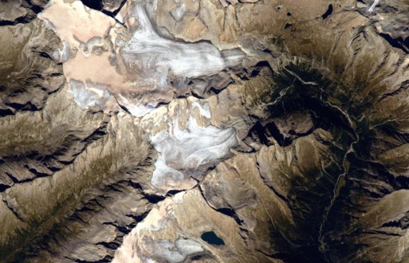 宇宙から撮影した地球のランドマーク、どこかわかる?