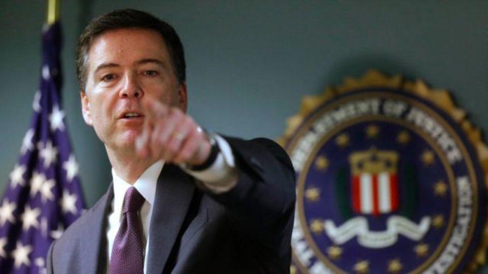 iPhoneロック問題、米議会がFBI長官をフルボッコに