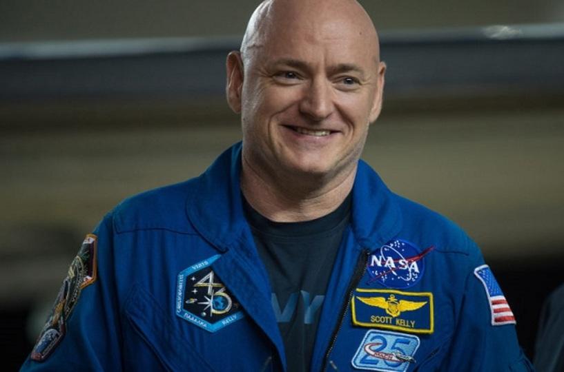 スコット・ケリーさん、1年間の宇宙滞在で身長が5cm伸びる