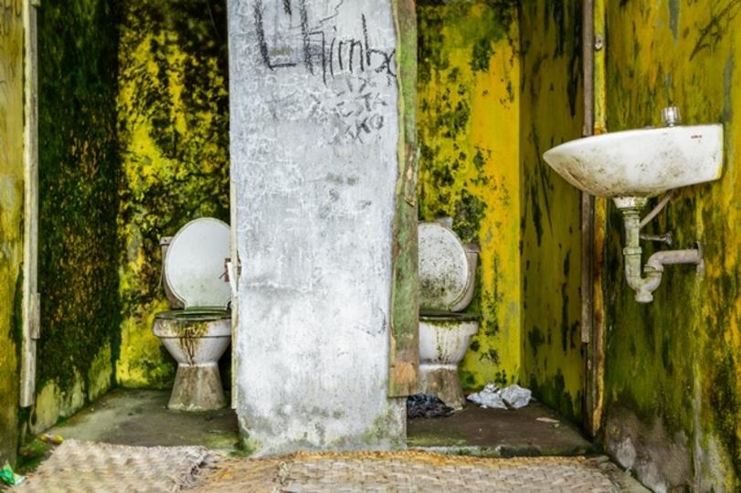 トイレの隅々まで快適な空の旅を。用を足したら菌は自動で瞬殺します