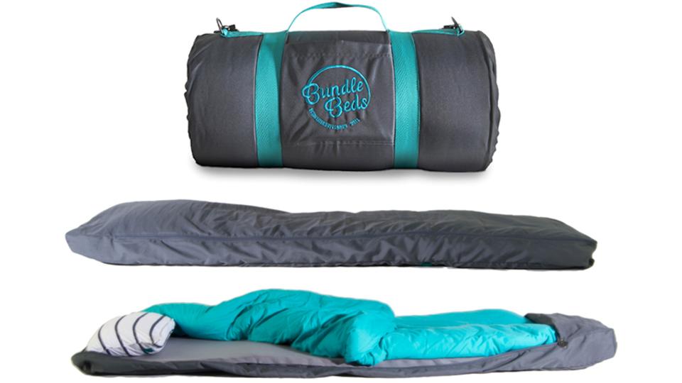 マットレス、枕、シーツ付き。この新しい「寝袋」が追求したものとは?