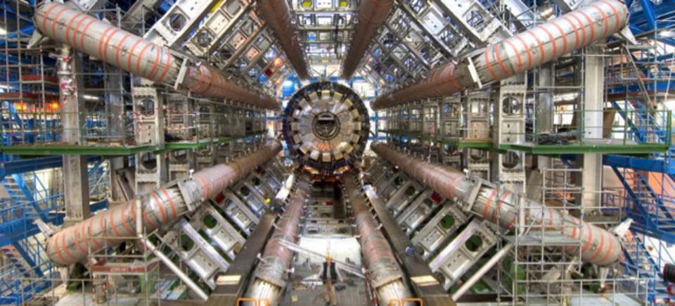 で、でっけー...大型ハドロン衝突型加速器の内部が360度ビデオで探索できます