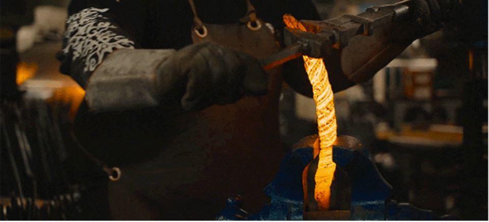 8KビデオカメラRED Weapon 8Kが捉える。ダマスカスの剣に挑戦する鍛冶師(動画あり)