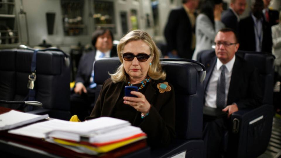 NSA、ヒラリー・クリントンに強化版Blackberryを支給することを断っていた