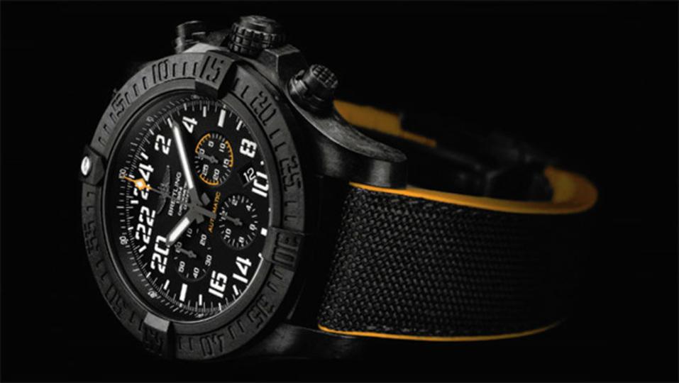 ブライトリング初のプラスチック製腕時計は、やっぱり高かった